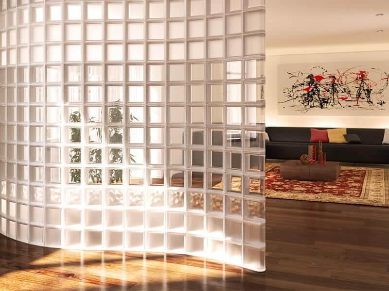 Wolnostojąca ściana z pustaków szklanych seves design. Luksfery ogniotrwałe, luksfery, luksfery cena, luksfery warszawa, luksfery przeciwpożarowe, ściana z luksferów, luksfery zamiast okna, montaż luksferów. luksfery montaż.