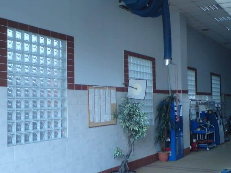 Okna z luksferów, okno z luksferów, luksfery zamiast okna,