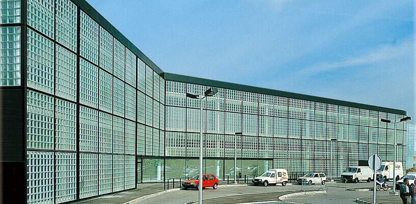 Ściany z pustaków szklanych na zewnątrz luksfery La Rochere Glasspol