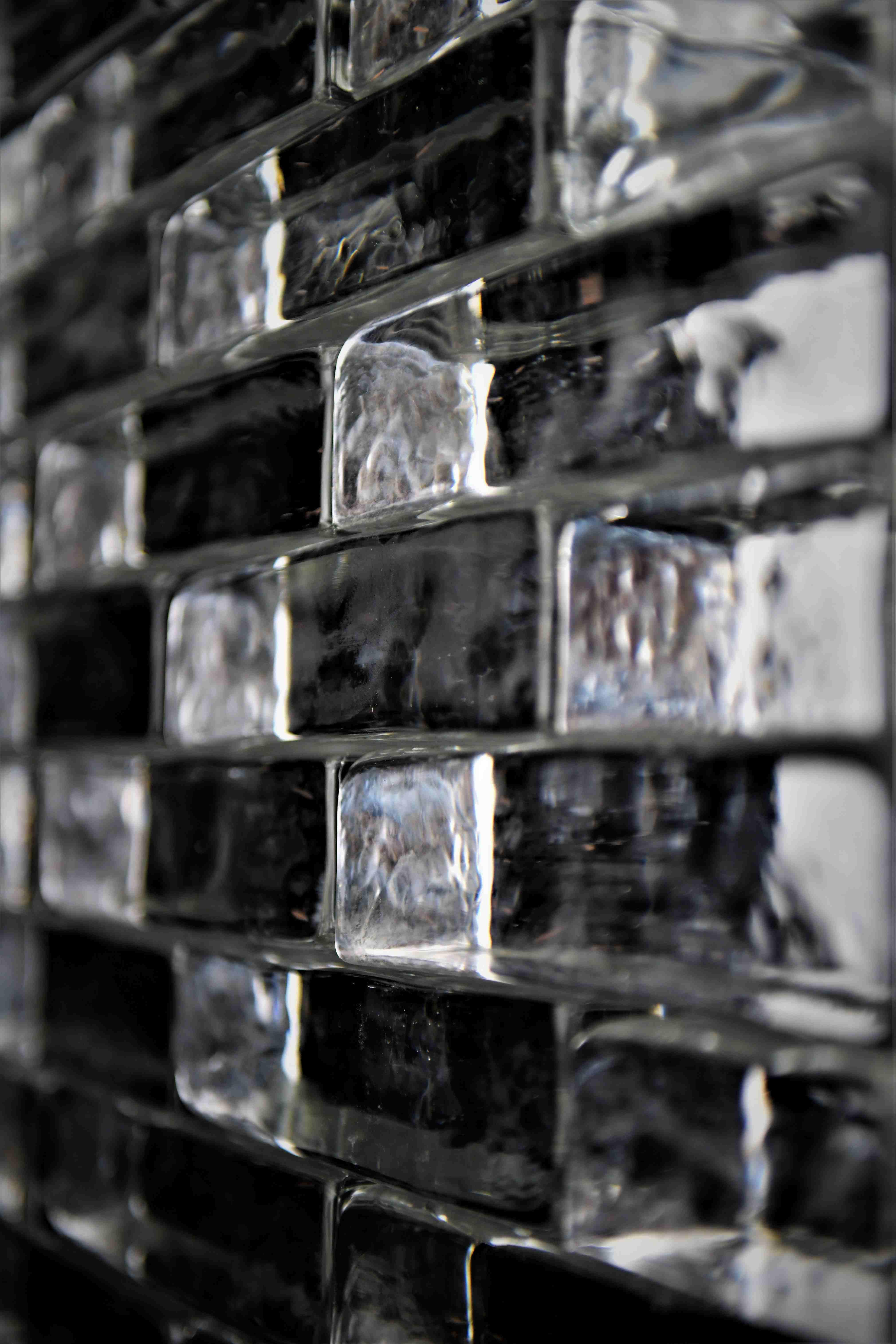 Cegły szklane, 100% szkła, cegła ze szkła, Glasspol, glassbrick, crystal block, glassblock, bloki szklane, cegla szklana Fot. Maciej Zaluski